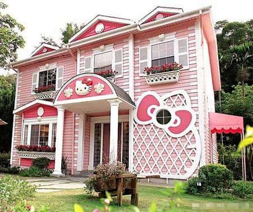 Check Out Hello Kittys New Home