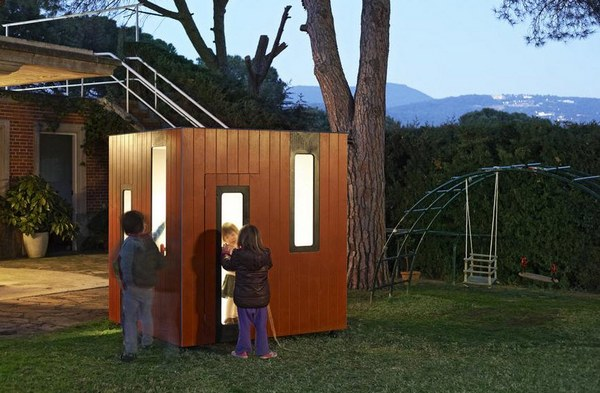 Modern cubbies hobikken 2 SmartPlayhouse – architecture on a cubby scale
