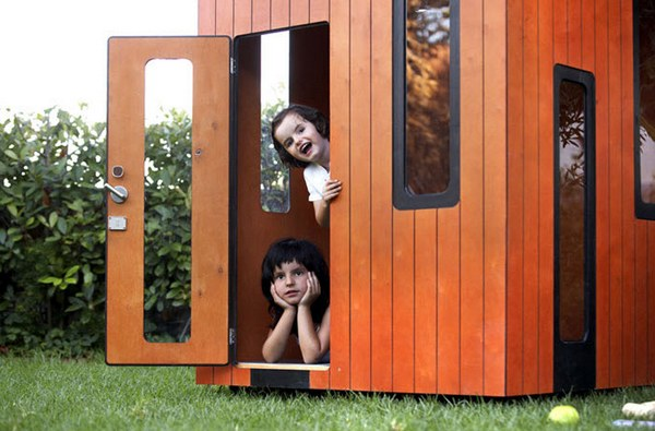 Modern cubbies hobikken 4 SmartPlayhouse – architecture on a cubby scale