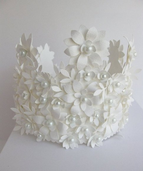 paper crown with pearls