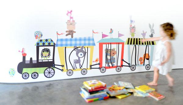 Pop and lolli circus train