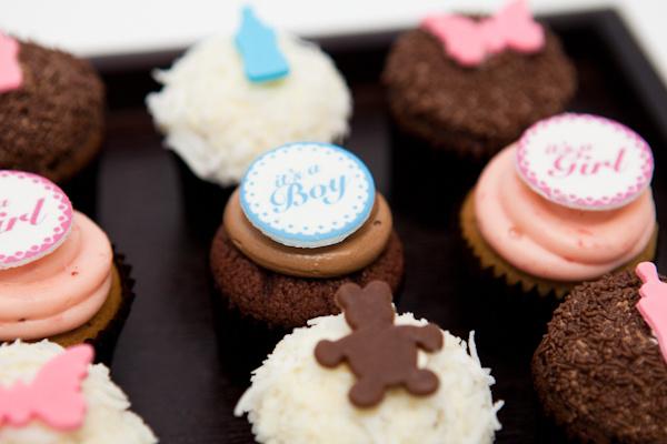 Ghermez cupcakes