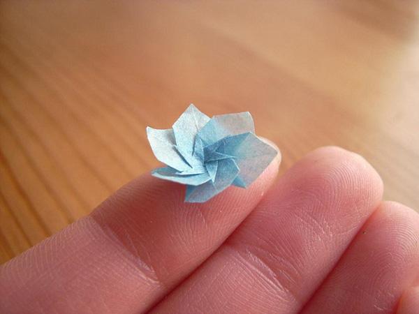 Как сделать цветок маленький из бумаги