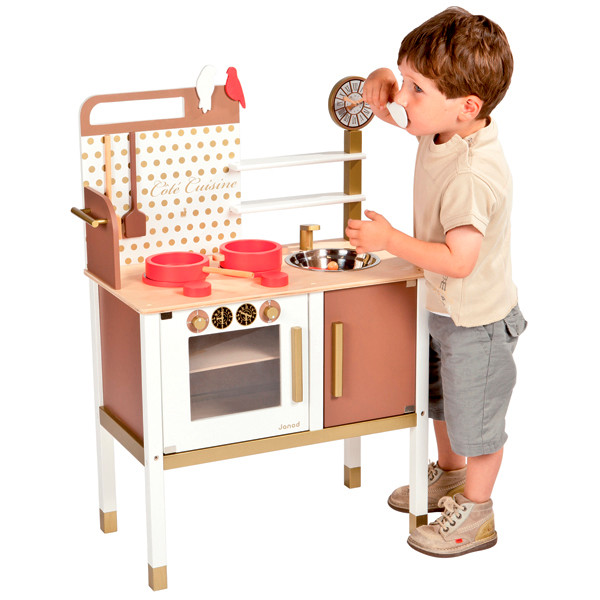 release your junior chef in the janod maxi kitchen. Black Bedroom Furniture Sets. Home Design Ideas