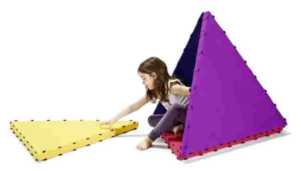 Tukluk building triangles