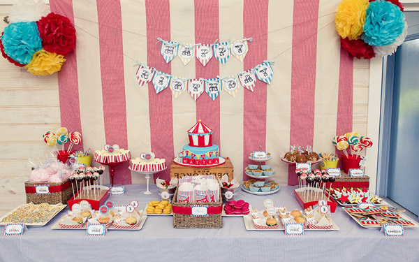 vintage circus carnival party 1 Show us your party   Matteas vintage carnival birthday