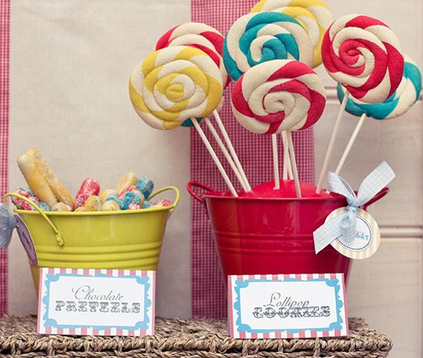 lollipop cookies in colourful buckets