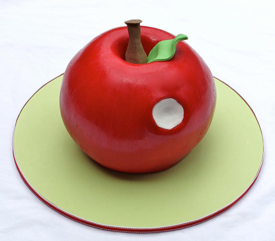 apple shaped cake