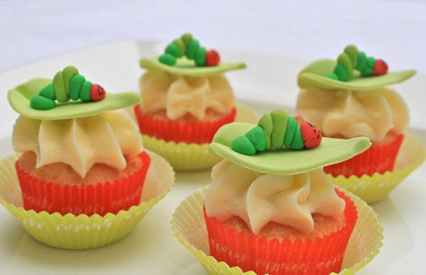 fondant caterpillar cupcakes