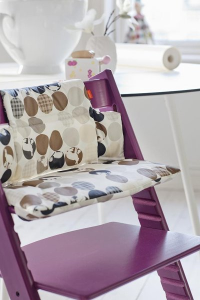 new stokke dresser and tripp trapp fabrics. Black Bedroom Furniture Sets. Home Design Ideas