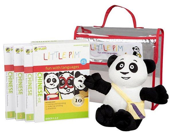 Little Pim 3 Little Pim lets children have fun with new languages