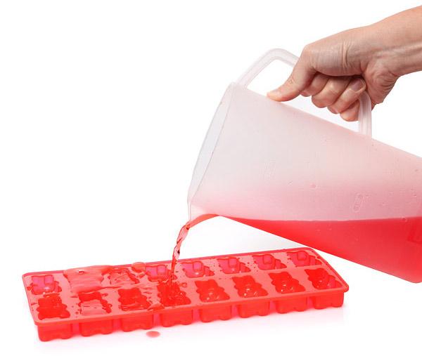 Gummy bear ice cube tray