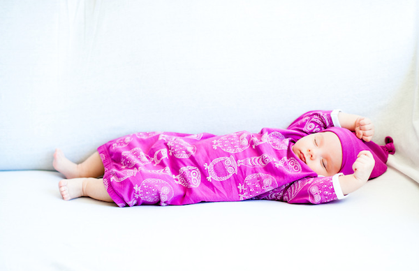 beautiful and easy newborn suit