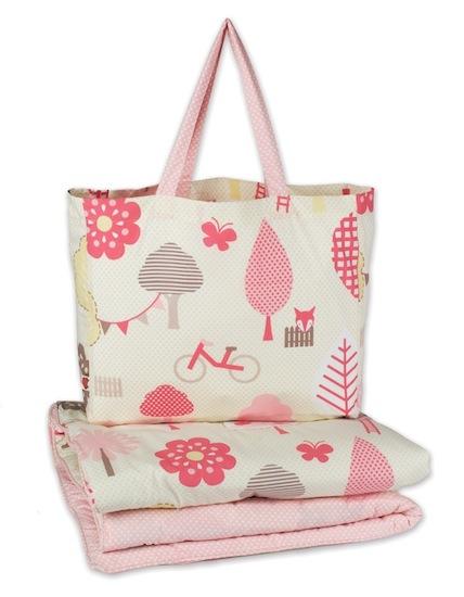 Wonderland cot quilt with bonus carrybag