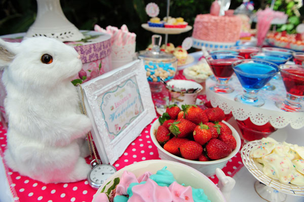 Alice in Wonderland birthday tea party, Mad Hatter tea party