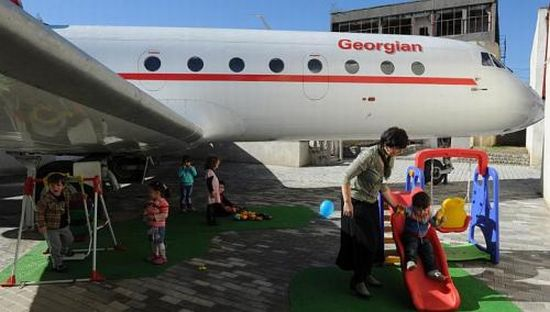 Upcycled Airplane Kindergarten 5 The kindergarten classroom that takes off