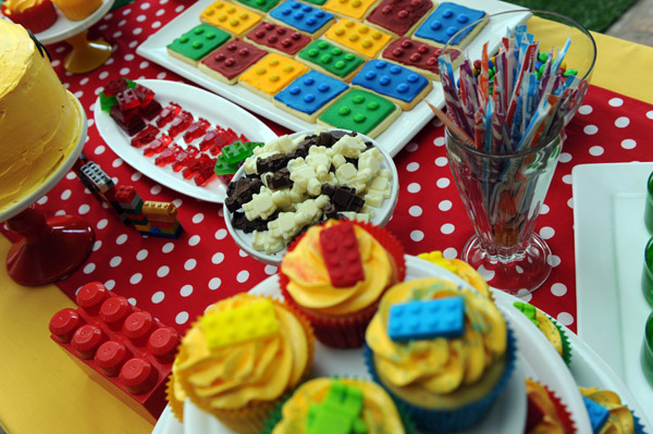 lego birthday party food ideas, lego gummies