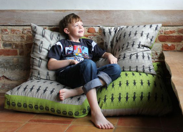 zoe est kids cushion 2 web Creepy, crawly & a tad crazy   Zoe Est Kids homewares
