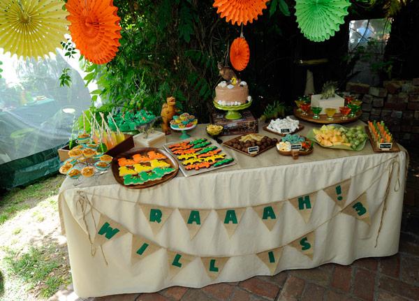 jurassic birthday, dinosaur t-rex cake
