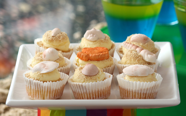 Hawaiian luau birthday ideas, seashell cupcakes