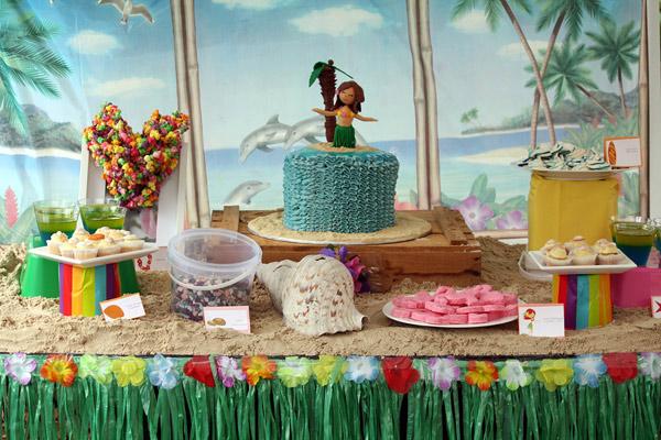 Hawaiian luau birthday