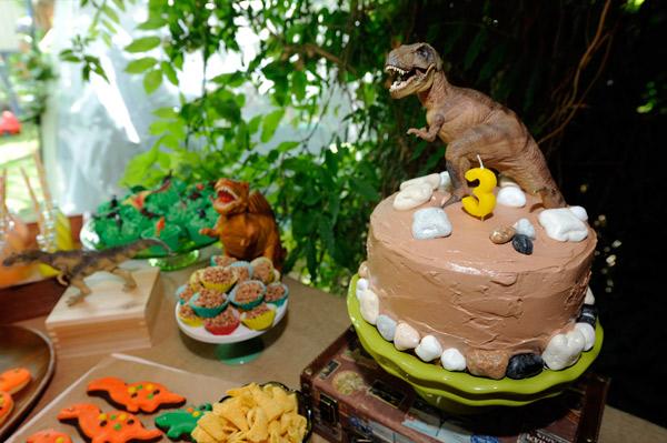 chocolate tyrannosaurus rex t-rex birthday cake
