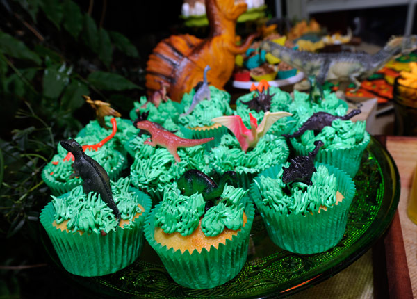 dinosaur cupcakes, dinosaur party food ideas