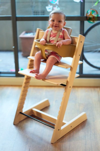 2013 01  N1C6858 1 400x600 Babyology tests the Stokke Tripp Trapp highchair