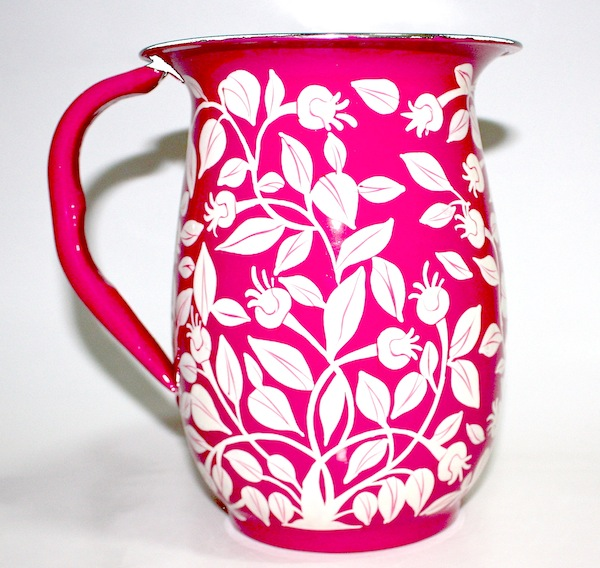 Trumpet_flower_tin_jug