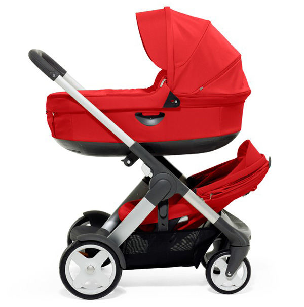 red Stokke crusi pram