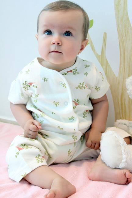 Baby-Essentials-organic-night-suit