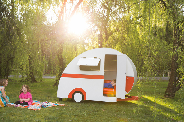 Caravan Cubbies 25