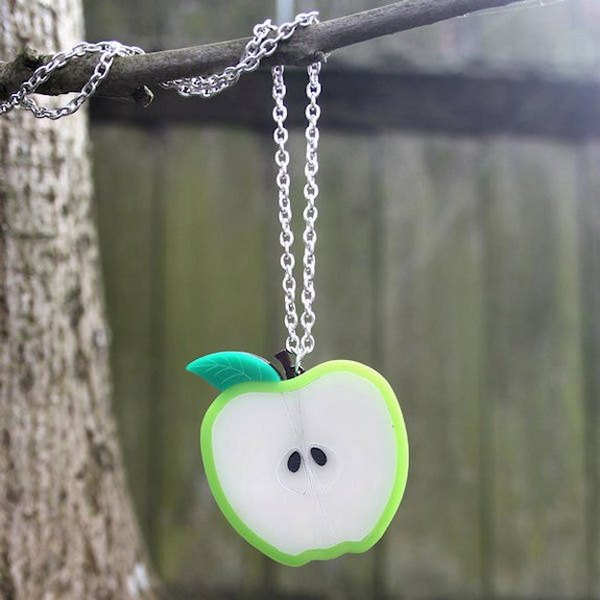 sugar-and-vice-apple-necklace