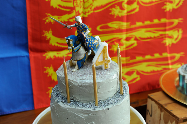 knights and dragons birthday cake