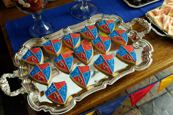 knight shield cookies