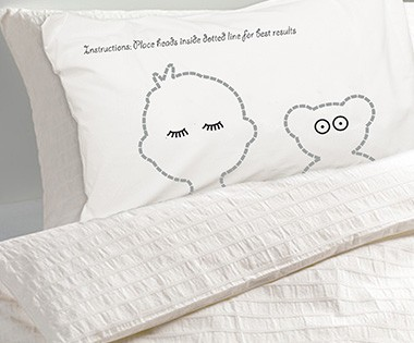 twisted-twee-bed-hogger-pillowcases-3a