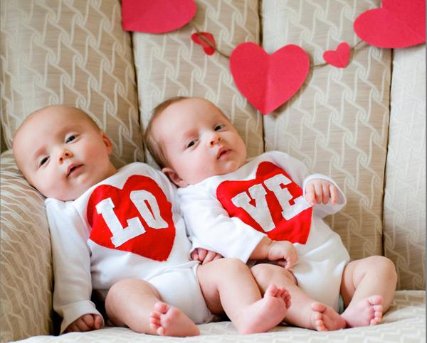 etsy-valentines---love-onesie