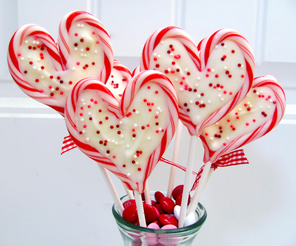 valentines-diy-candy-cane-heart-pops-