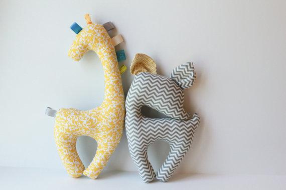 giraffe and deer