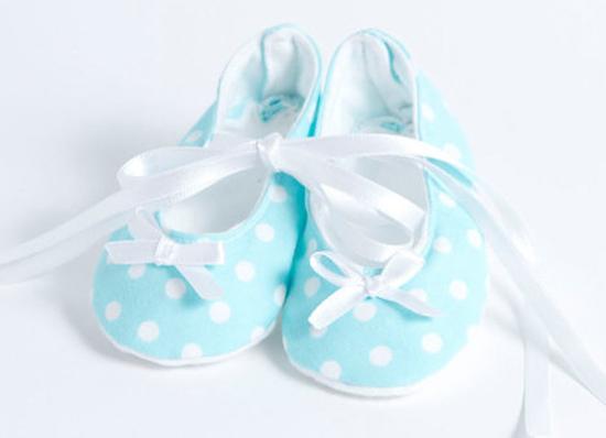 Aqua spotted ballet shoes