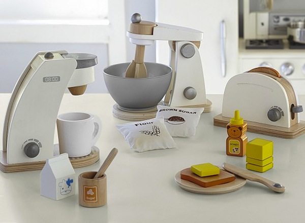 Pottery_Barn_kids_cooking_toys_wooden
