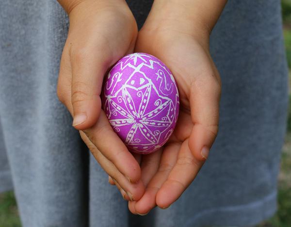 Ukrainian pysanky, stylish easter craft ideas for kids