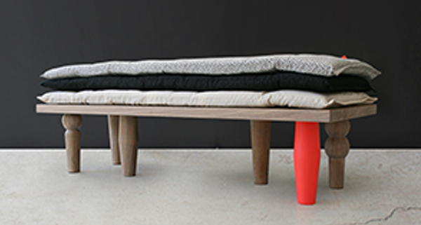 ss-pea-bench-bed-300