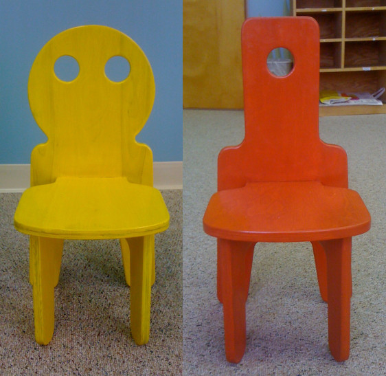 zoomchairs Zoom custom table and chair set has room for all the kids