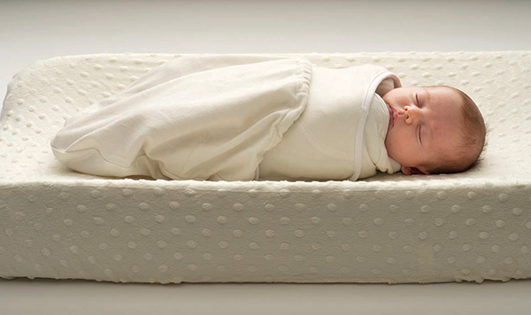 Babes-In-Arms-Ergobaby-Swaddler-1