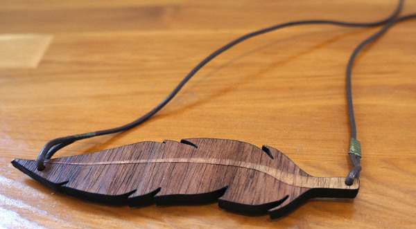 Mothers-day-leaf-necklace