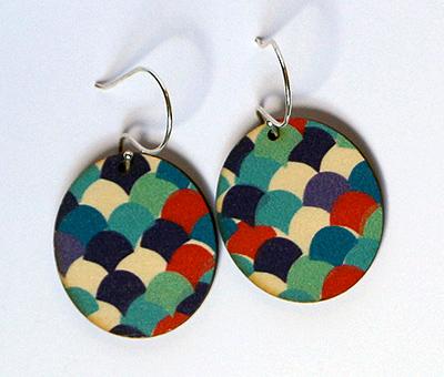 blue scallops disc earrings