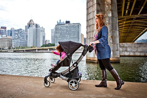 http://babyology.com.au/wp-content/uploads/2014/05/Origami-Stroller-Lifestyle.jpg