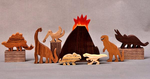 Wooden dinosaurs2