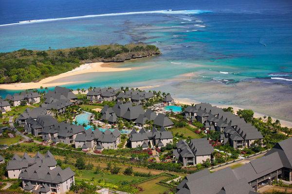 babyology explores the intercontinental fiji golf resort spa. Black Bedroom Furniture Sets. Home Design Ideas
